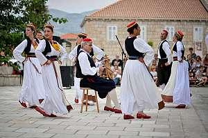 Folklore Aufführungen in Čilipi