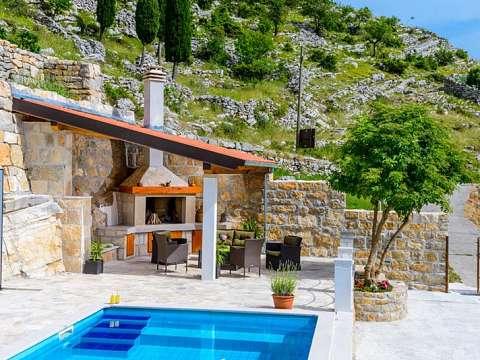 Stone house Kuna
